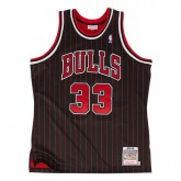 Vente Privée Maillot NBA Scottie Pippen Chicago Bulls 1995-96 Authentic Mitchell&Ness Noir