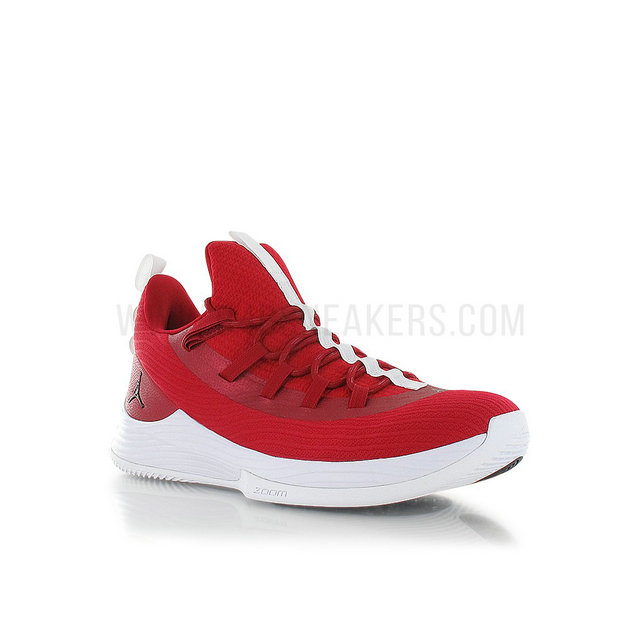 Jordan Ultra Fly 2 Low gym red/black-white Rouge
